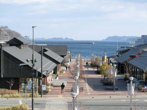 震災10年後の展望イメージ-女川駅より湾を望む